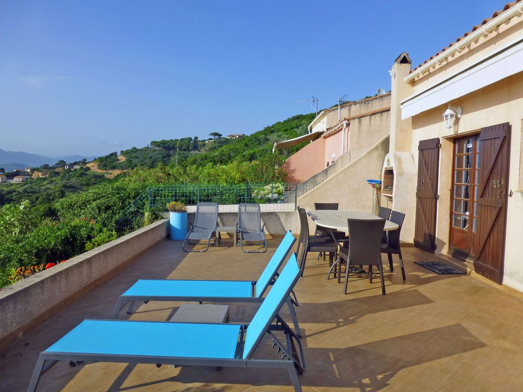 Homelidays Location Corse Porticcio - Mini villa 4/5personnes avec jardin et terrasse panoramique à 150m de la mer