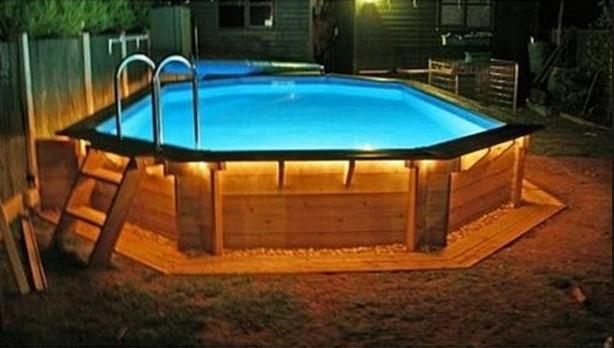 Piscine bois solde une piscine en bois cote cher il est for Piscine en solde destockage