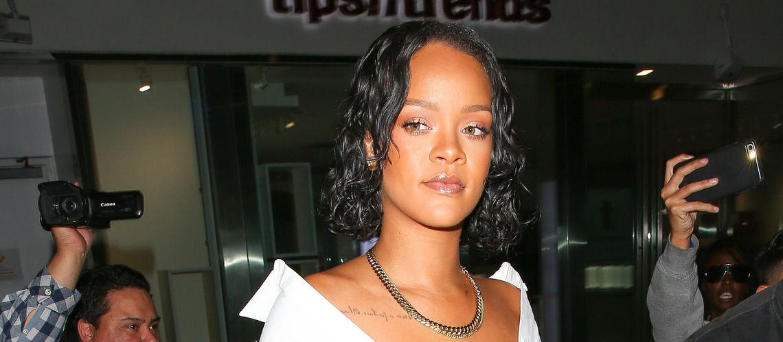 Photo afida turner pose seins nus atten tion c est fron tal - Rihanna avant apres ...