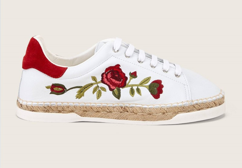 3f96e29d93e7 Canal St Martin Lancry Sneakers blanc et rouge - Baskets Femme Monshowroom   (Mode)  Monshowroom Canal St Martin Lancry Sneakers blanc et rouge Canal St  ...