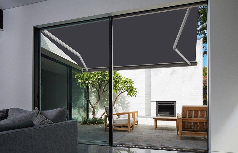 Store banne extérieur coffre intégral Neptune Sunny Inch motorisé et manuel pour terrasse Blanc métallisé Gris jaune - ManoMano