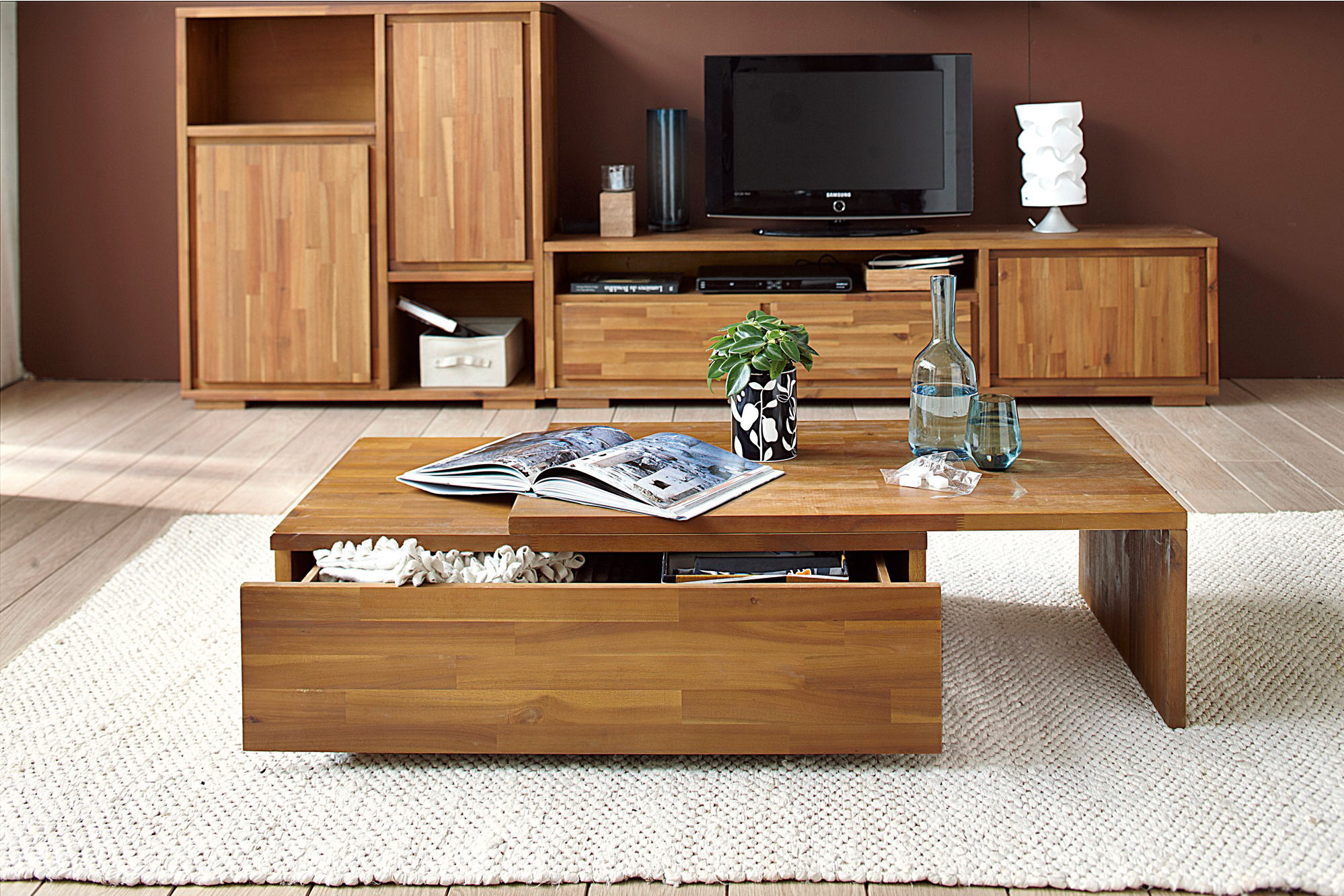 table basse coulissante kewan en acacia massif about table basse 3 suisses. Black Bedroom Furniture Sets. Home Design Ideas