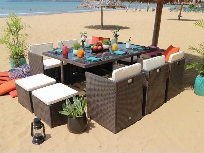 TILOS Ensemble Table en résine + 6 fauteuils et 4 poufs pas ...