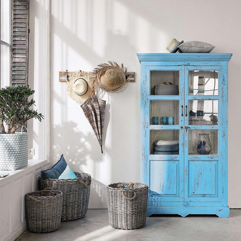 stunning vitrine en manguier turquoise effet vieilli avignon maisons du monde with maison du. Black Bedroom Furniture Sets. Home Design Ideas