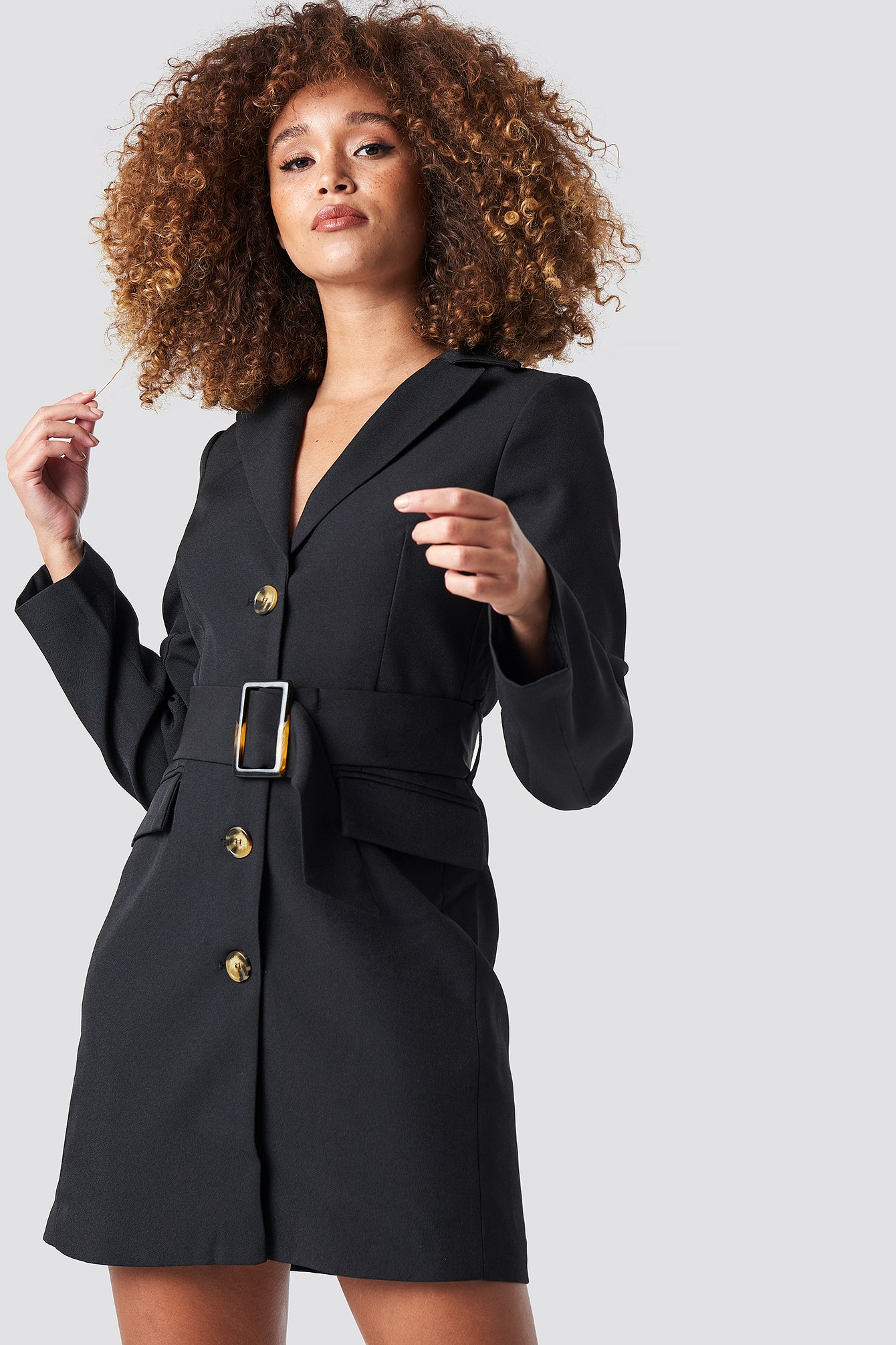 Robe Blazer Ceinture Large Noir Statement by NA-KD Influencers